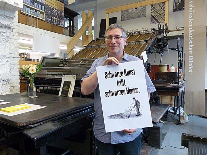 ... und hier noch einige Bilder von unserer schwarzhumorigen Lesung des wunderbaren Stephan Hähnel. ...