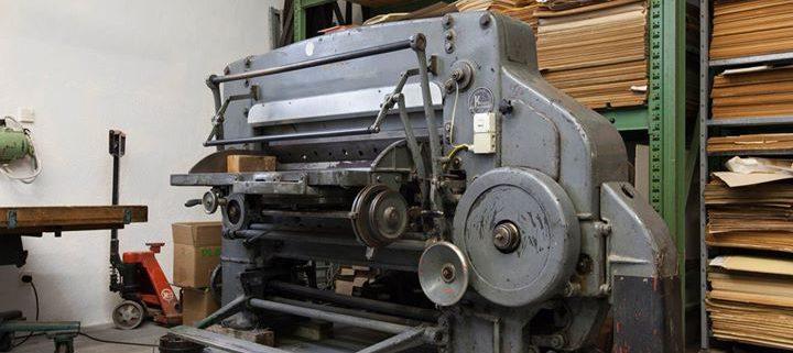 Unsere Schneidemaschine von Krause-Polygraph Leipzig, Baujahr 1950. Die Schnittbreite beträgt 1,30 M...