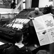 Daniel Klotz bei der Präsentation der fertigen Krautreporter-Zeitung am 24.11.2018 in Berlin; Foto: Krautreporter